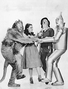 220px-The_Wizard_of_Oz_Lahr_Garland_Bolger_Haley_1939