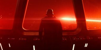 Star-Wars-Kylo-Ren-watches-Starkiller-Base-firing